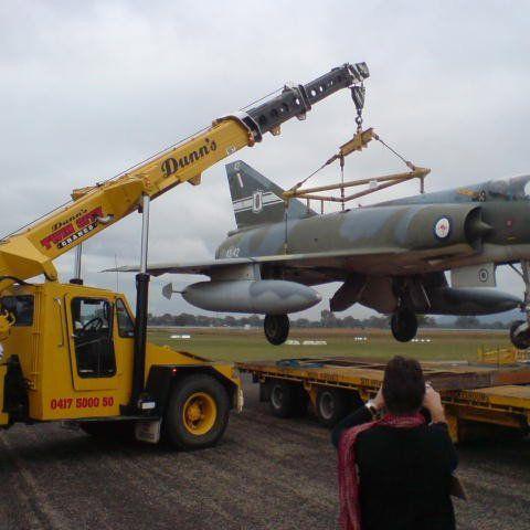 crane lifting jet