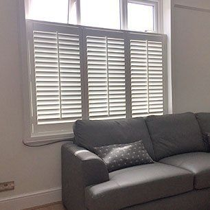 venetian blind fitting
