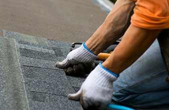 Expert Roofing Contractors Omaha Ne 10 Men Roofing