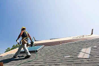 Home Roofing Services Omaha Ne 10 Men Roofing