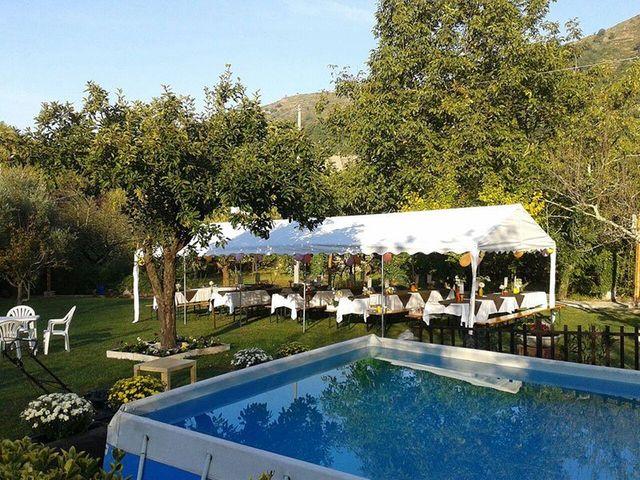 Chi non vuole sposarsi nel campo e accanto alla piscina all'ombra dei ciliegi?