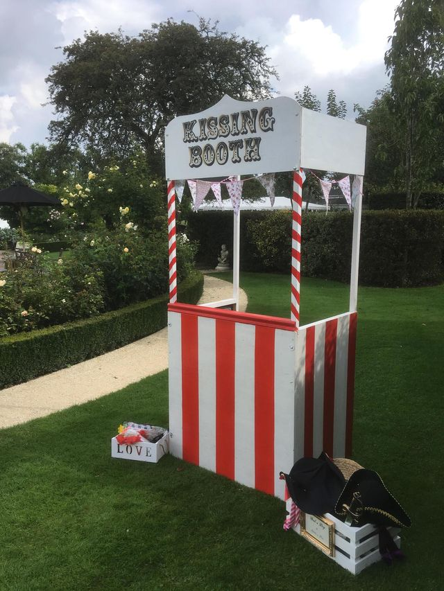 Exhibition Stand Hire Kent : Find stylish vintage wedding props for hire in folkestone
