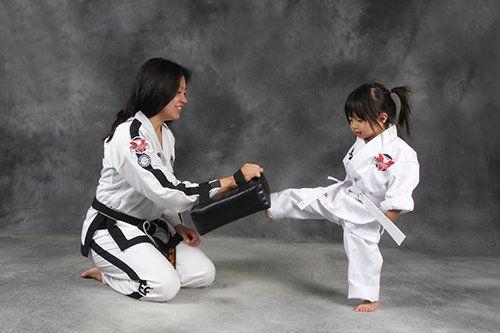 Mini Ninjas Pad kick