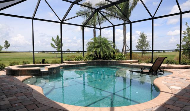 Pool screen enclosures gainesville fl duffield home - Swimming pool screen enclosures cost ...