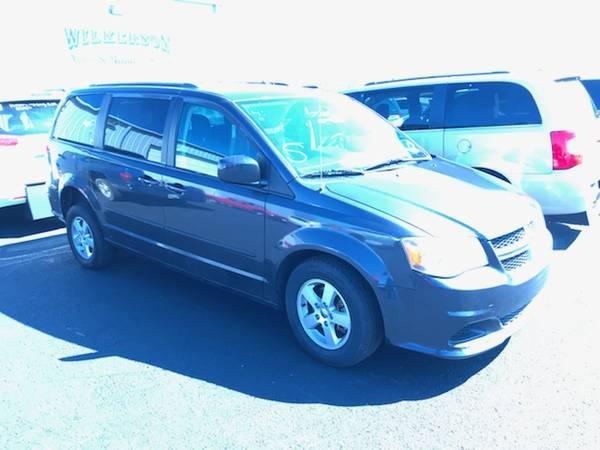 ed4357b1ecaf 2013 Dodge Caravan SXT — Side View of Vehicle in Tulsa