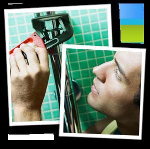Emergency plumber - South East London - The Considerate Plumber - plumber repairing pipes