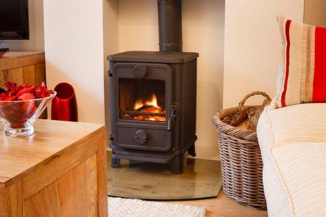 riscaldamento, caminetti, stufe a legna