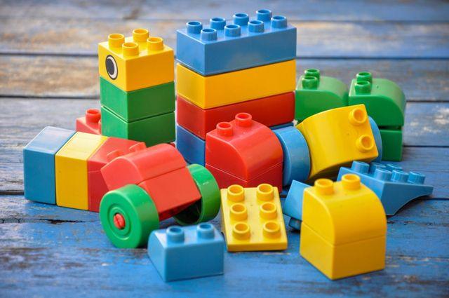 delle costruzioni per bambini