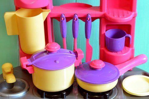 degli accessori da cucina per bambine