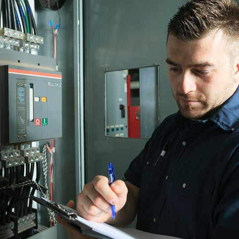 One of our 24 hour electricians taking notes