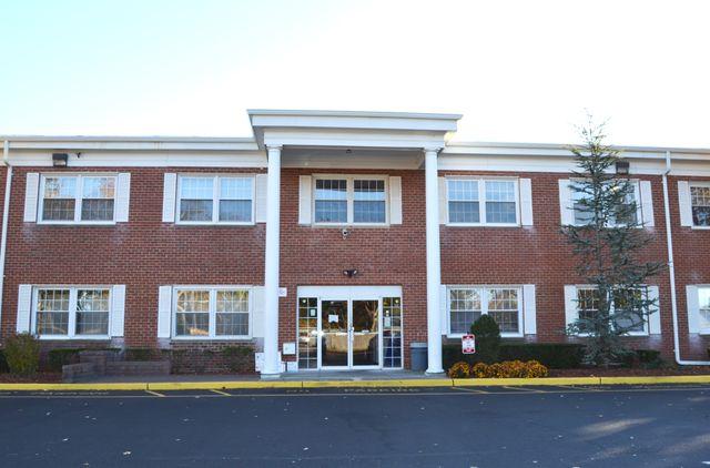 exterior of Seafield drug & alcohol rehab facility - Patchogue NY