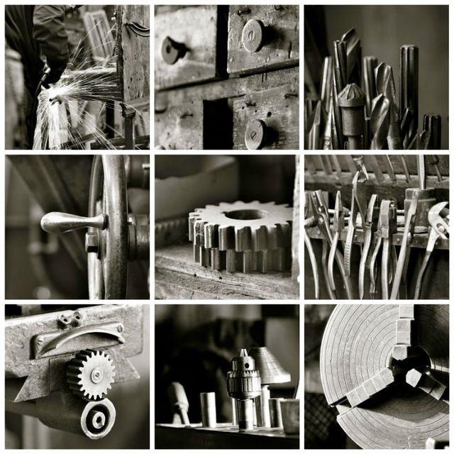 delle foto in bianco e nero di ingranaggi meccanici