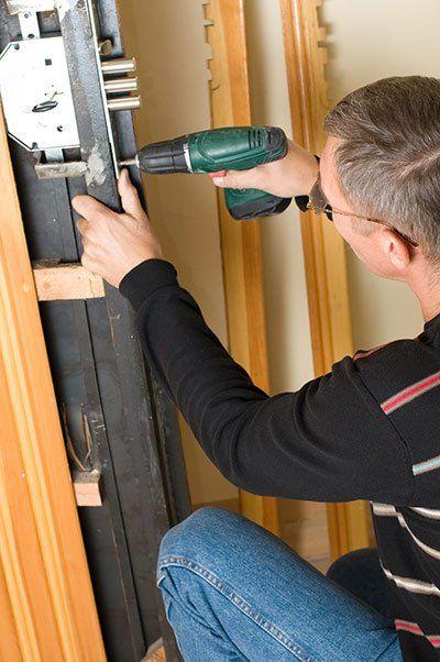 safe locksmith service