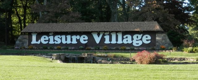 senior living communities Suffolk County, NY