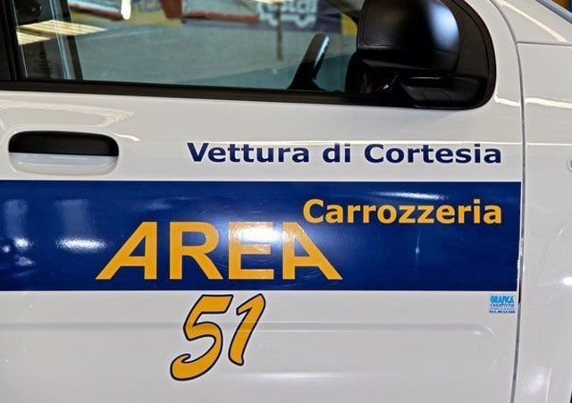 Auto sostitutiva della Carrozzeria Area 51