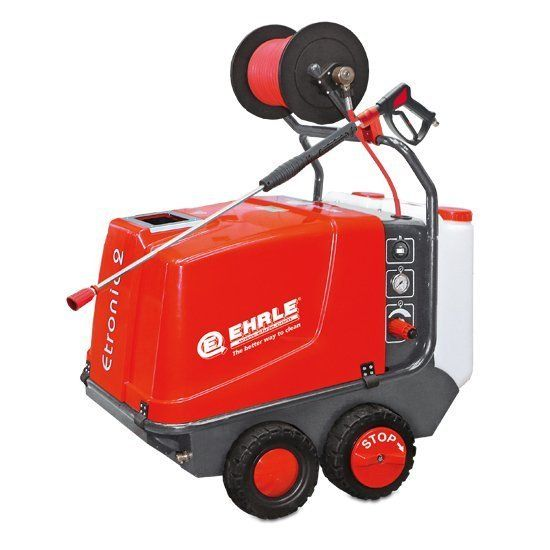 Mobile industrial pressure washers