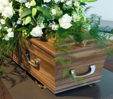 Casse funebri , cremazione,disbrigo pratiche,funerali ,necrologi,carri funebri