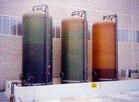Serbatoi di stoccaggio prodotti chimici in vetroresina