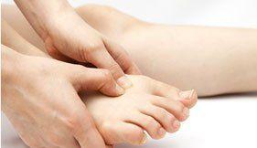 cura dei piedi, visita dei piedi, podologo