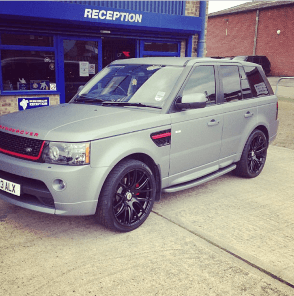 Alex McCarthy's Range Rover with refurbished alloy wheels