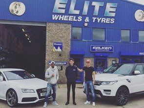 Chris Gunther and Garath McCleary with their Audi and Range Rover custom wheels.