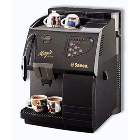 una macchinetta del caffè della marca Saeco