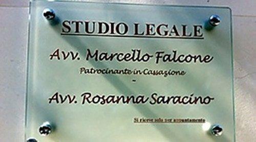 insegna Avv. Marcello Falcone e Avv. Rosanna Saracino