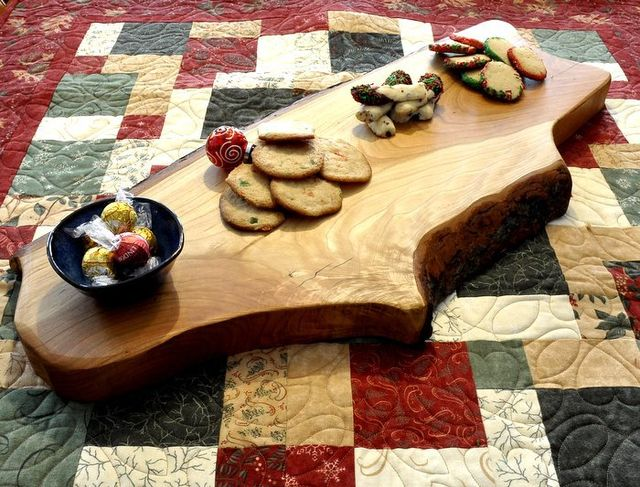 Natural bark edge cutting and cheese board