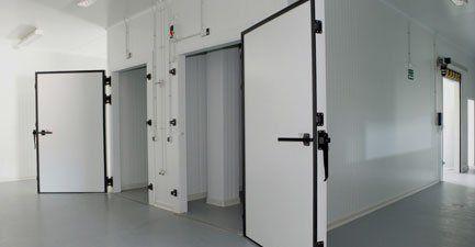 Commercial fridge maintenance