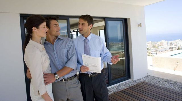 Expert providing one of our accurate property valuations in Auckland