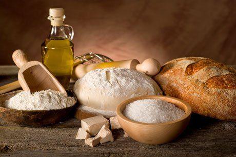 Gli ingredienti per fare il pane