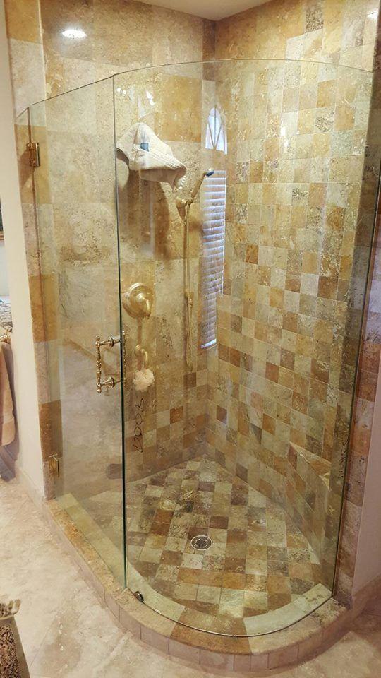 弯曲的玻璃 - 淋浴围栏