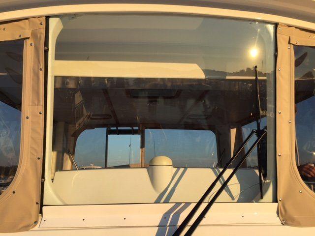弯曲玻璃船挡风玻璃