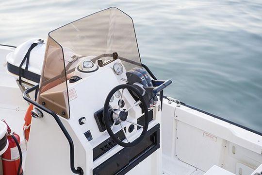 更换弯曲玻璃游艇挡风玻璃