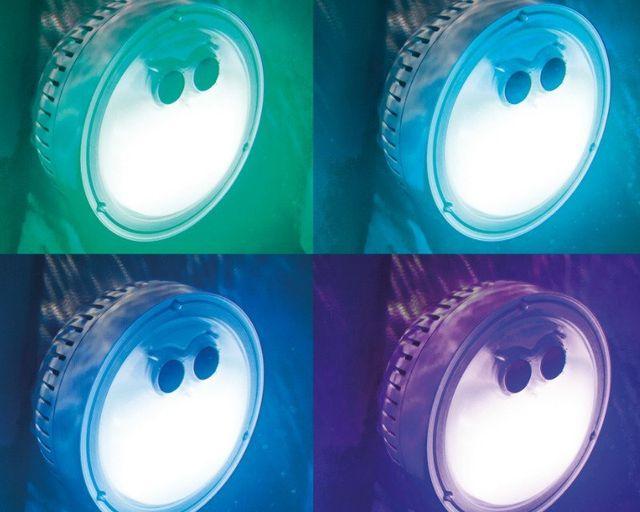 อ่างน้ำร้อน อ่างน้ำจากุซซี่ อ่างน้ำวน อ่างน้ำพร้อมระบบนวด ระบบบำบัดน้ำเกลือ ไฟใต้น้ำของอ่างน้ำร้อนจากุซซี่ แช่น้ำร้อนไปพร้อมกับแสงสีของไฟใต้น้ำ