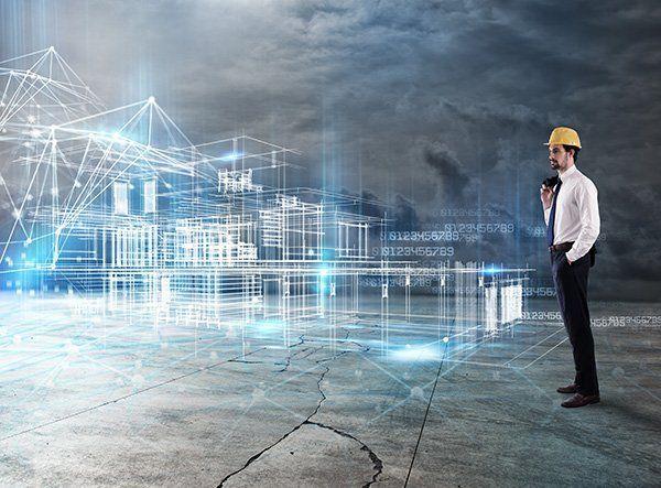 architetto che guarda un progetto digitale