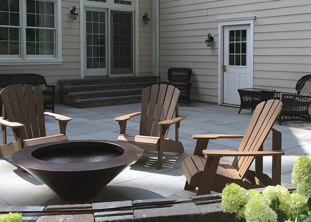 Outdoor Fireplaces Fire Pits Wood Vs Gas