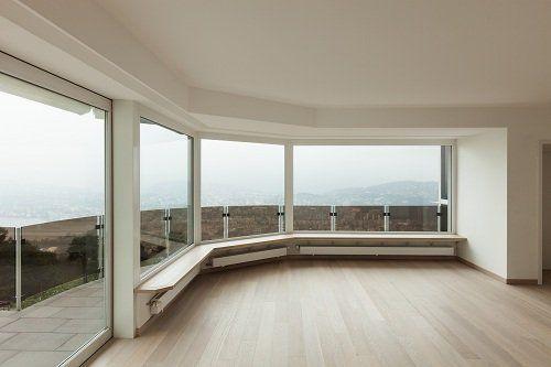 Grande finestra panoramica di forma semicircolare di PVC bianco