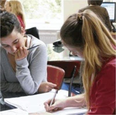 studenti alla scuole d'inglese