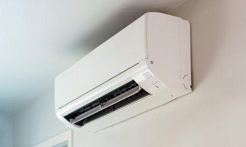 climatizzatore con deflettori aperti