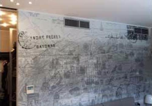 interno negozio con centralina climatizzazione
