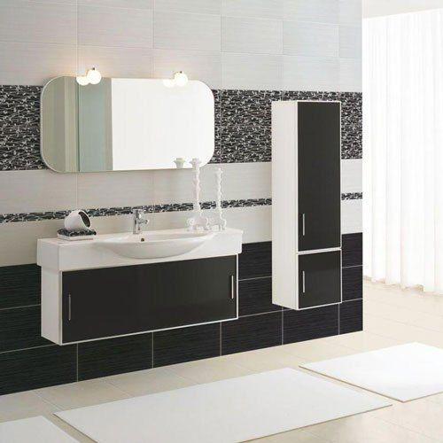 un bagno con delle piastrelle di color nero al muro