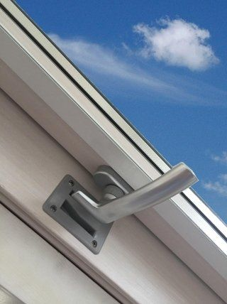 handle in window opening position