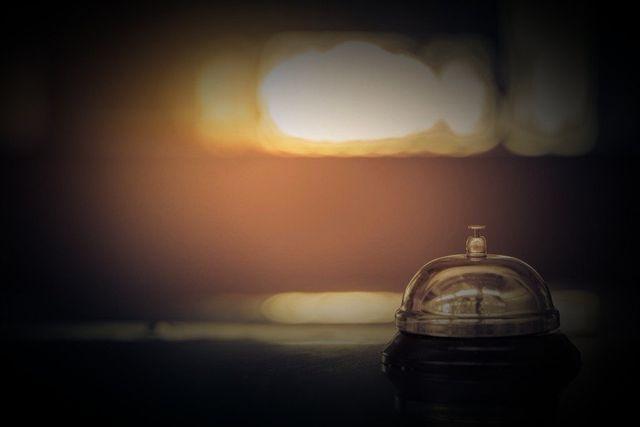 campanello reception albergo