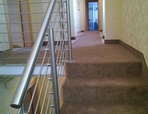 scale rivestite di moquette