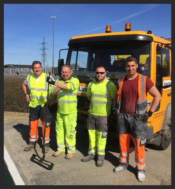 expert road line marking operatives