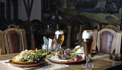 dinner with traditional ale