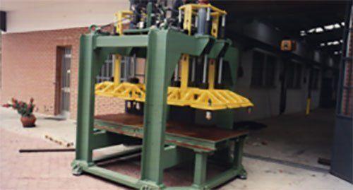 Assemblaggio di componenti metallici finiti