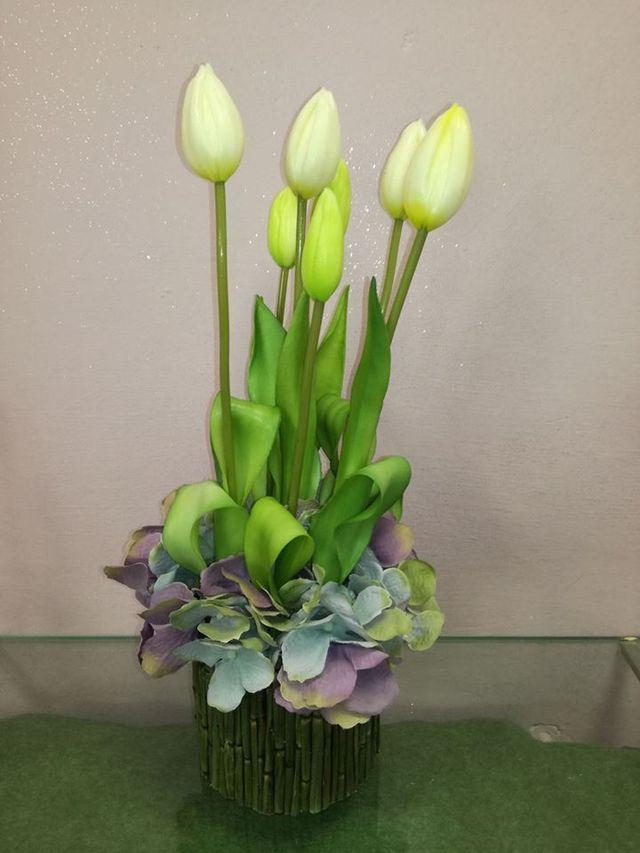 Tulipani gialli artificiali