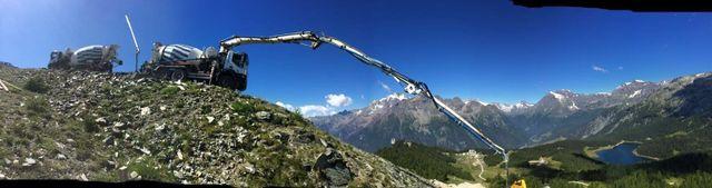 macchinario in montagna